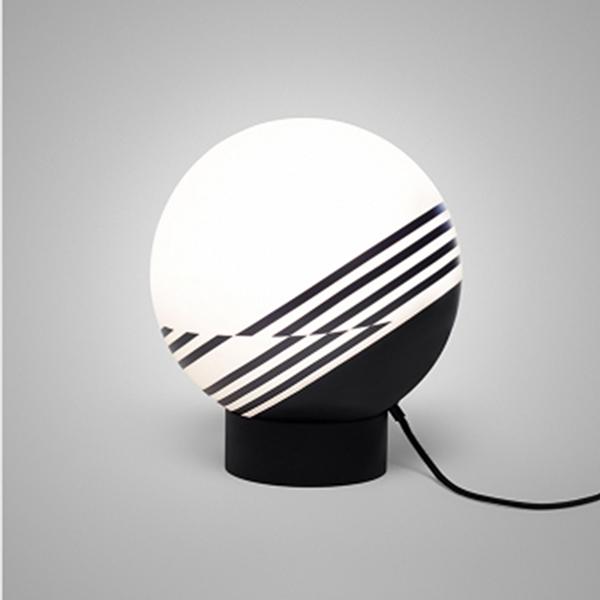 croppedimage727525-optical-table-lamp-studio-01